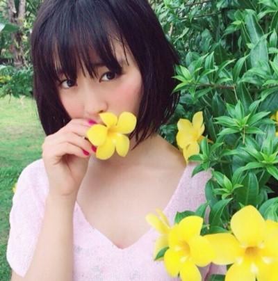 黒髪の大友花恋さん